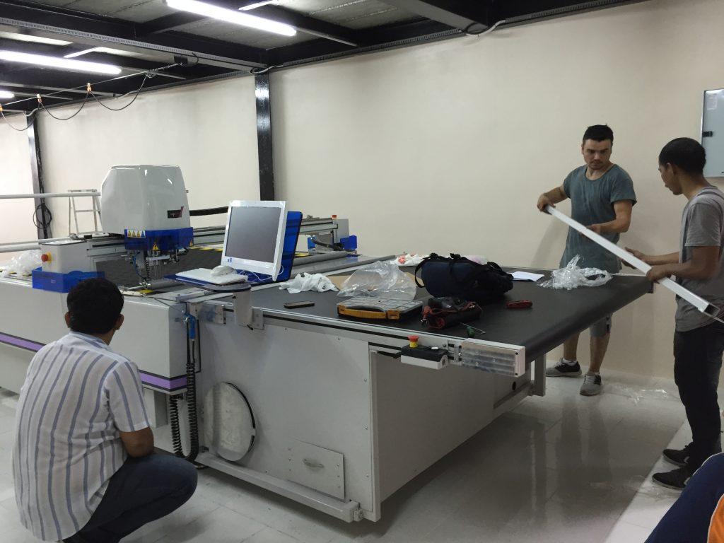 ติดตั้งเครื่องตัดผ้าอัตโนมัติ ผู้ประกอบการเสื้อผ้าแฟชั่น