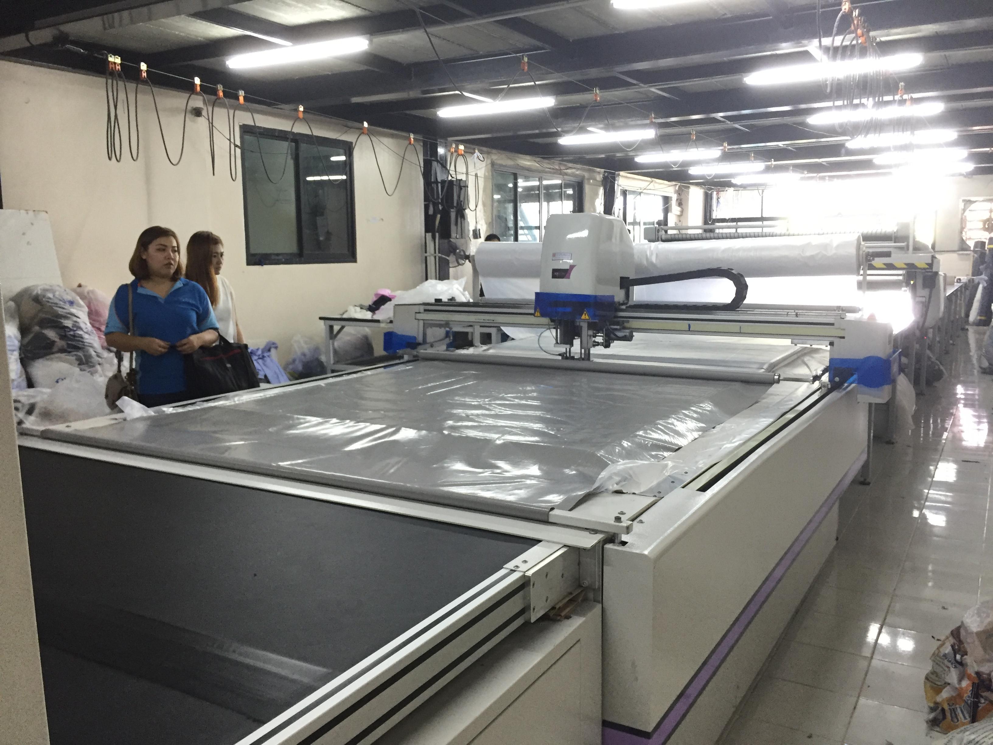 เยี่ยมลูกค้าใช้งานเครื่องตัดผ้าอัตโนมัติ