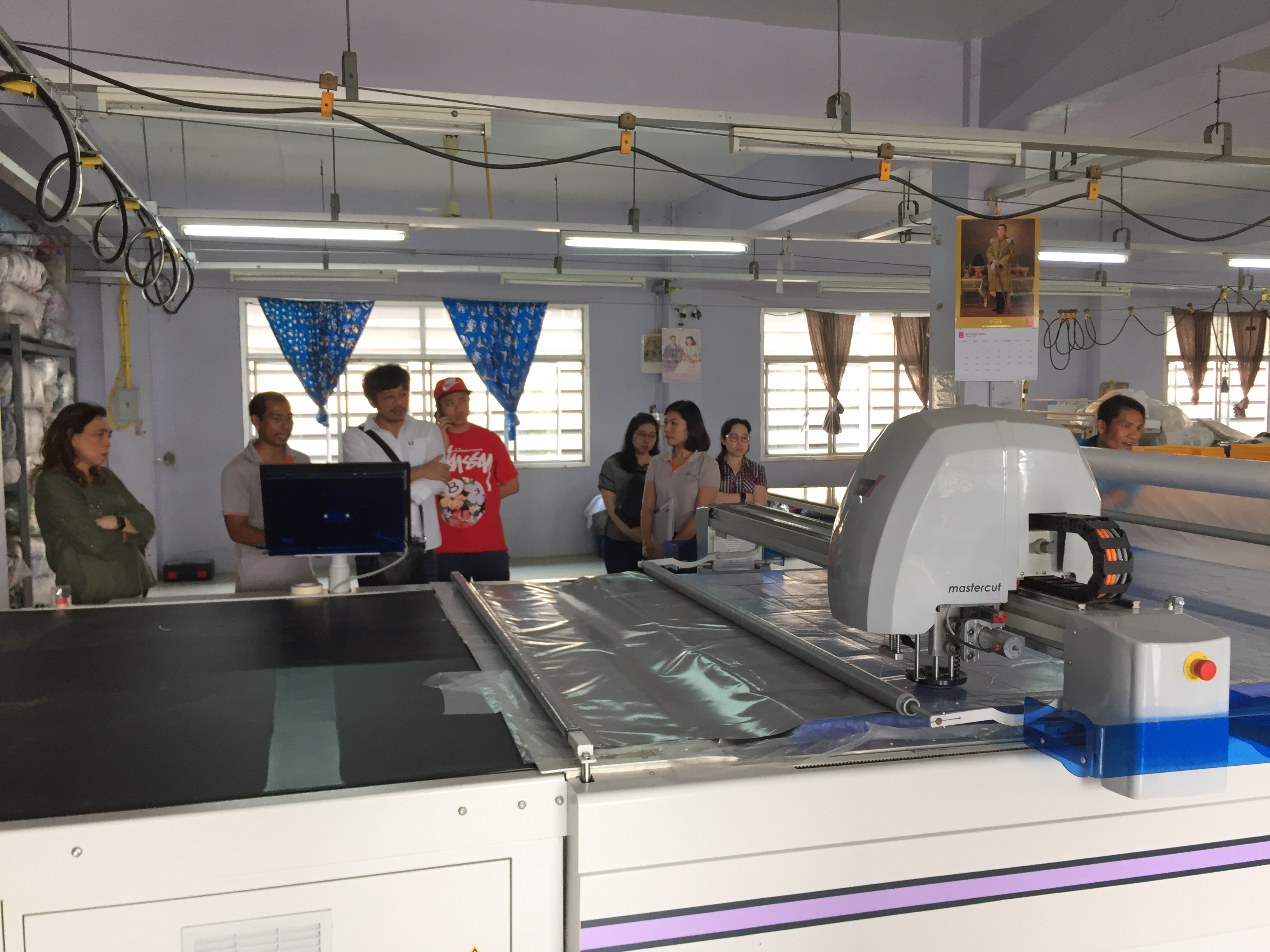 ติดตั้งเครื่องตัดผ้าอัตโนมัติ ผู้ประกอบการเสื้อผ้าเด็ก