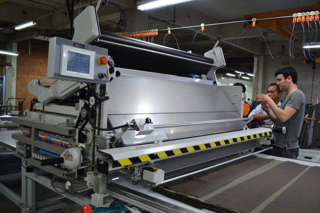 เครื่องปูผ้าอัตโนมัติ SERKON MJ1 สำหรับผ้ายีนส์