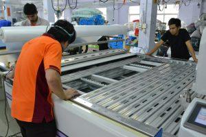 ทำความสะอาดภายในเครื่องตัดผ้าอัตโนมัติ