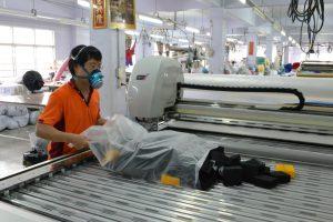 ประกอบแปรงเครื่องตัดผ้าอัตโนมัติหลังทำความสะอาดเสร็จ
