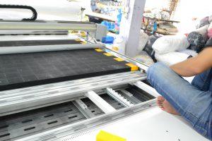 ประกอบแปรงเครื่องตัดผ้าอัตโนมัติหลังทำความสะอาดเสร็จ2